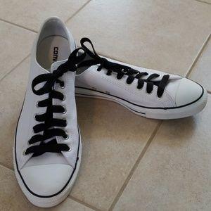 ⭐️ Leather Converse All-Stars ⭐️